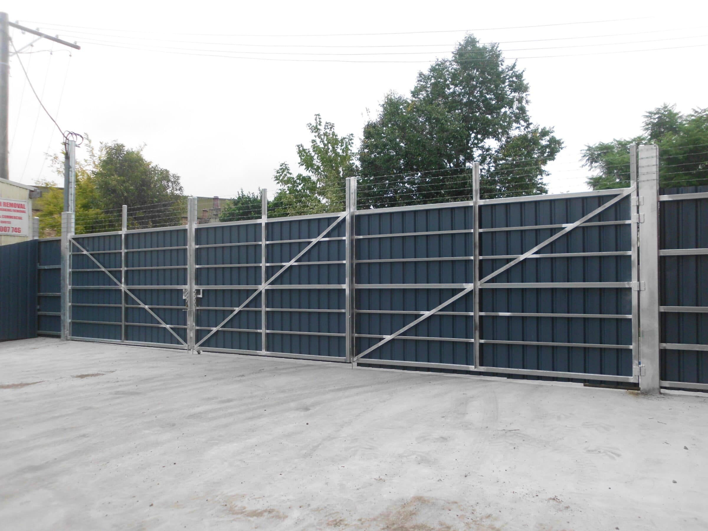 swinging-bi-folding-gates-04